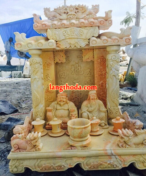 Bàn thờ bằng đá vàng