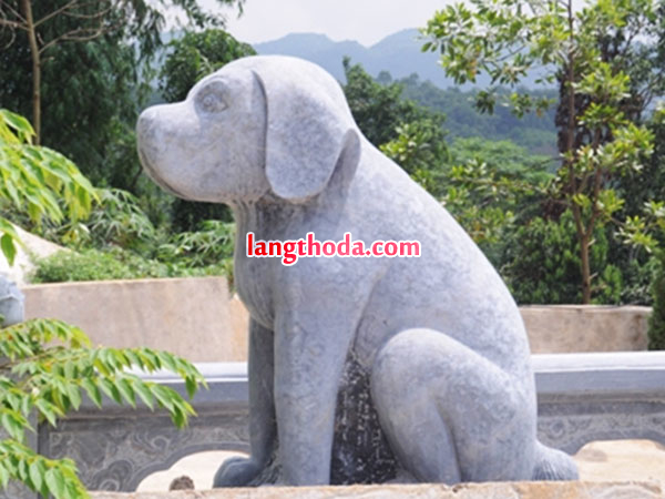 tượng chó bằng đá khối
