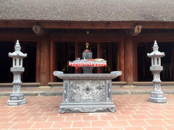 Mẫu bàn lễ bằng đá đặt ở đình, đền